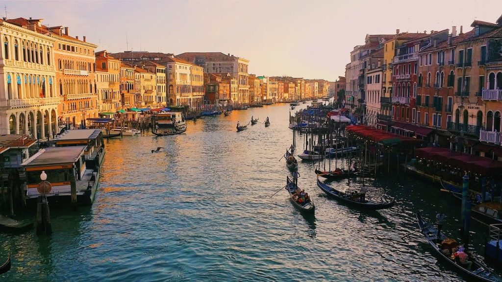 venice-italy-cycling-adventure-orchards-near-me