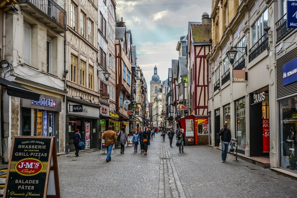 french-town-cider-tour-france-orchards